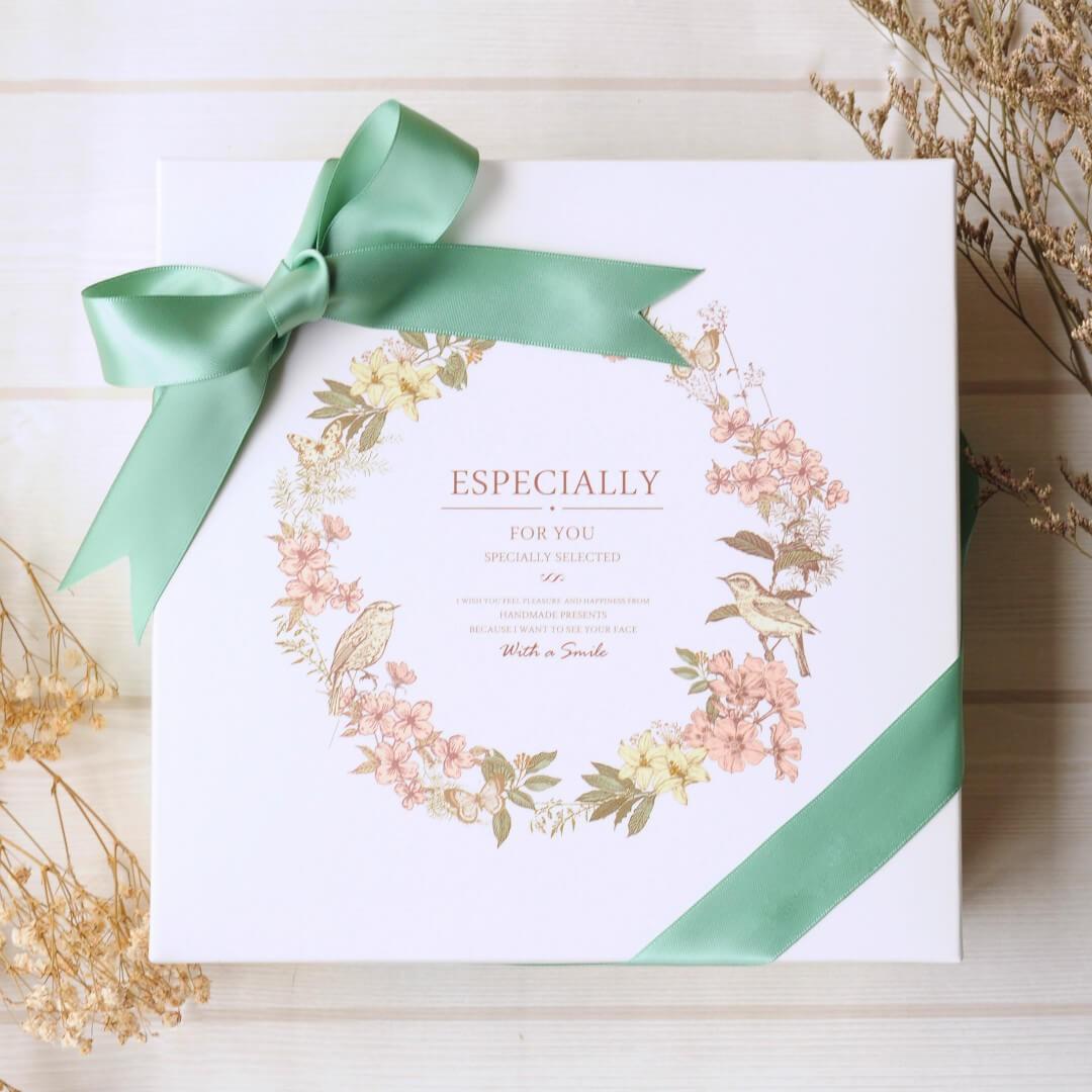 【預購7/30後出貨】幸福花語禮盒 (草綠緞帶) / 手工喜餅 / 伴手禮 / 附提袋